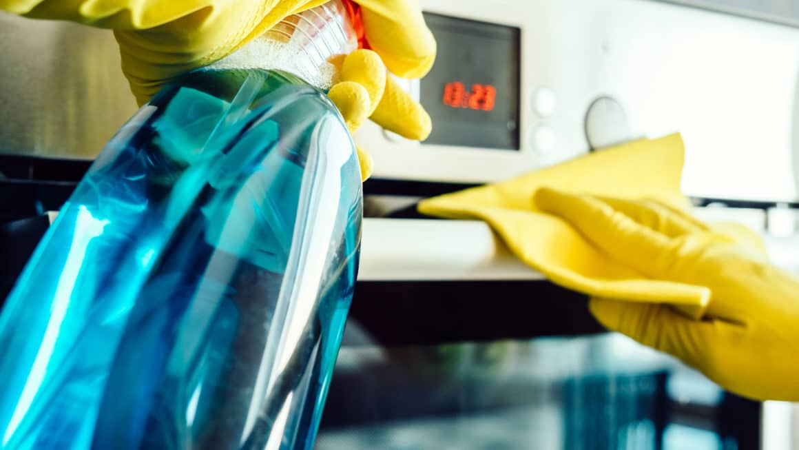 oven deep cleaning 1 1160x653 1
